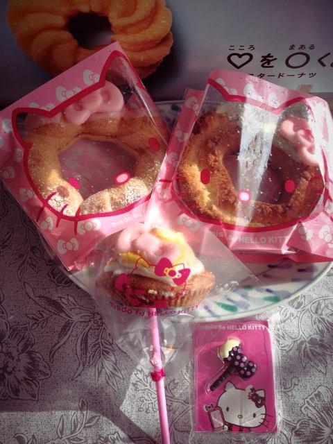キティちゃんとミスドのコラボドーナツ
