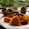 ホテルニューオータニの朝食2:庭園をみながらいただく伝統のビュッフェ・ガーデンラウンジ